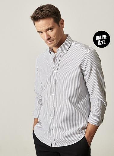 AC&Co / Altınyıldız Classics Tailored Slim Fit Çizgili Düğmeli Yaka Gömlek 4A2021100054 Siyah